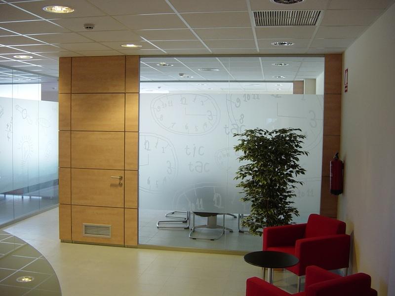 Armaris a mida mamparas y separadores for Separadores de oficina